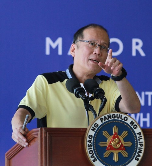 President Benigno S. Aquino III delivers his speech during the project briefing on the major infrastructure projects in the Province of Cebu at the Equipment Management Division of the Department of Public Works and Highways (DPWH) Region VII in Sergio Osmena Boulevard corner V. Sotto, Cebu City on Monday (August 24, 2015). (Photo by Marcelino Pascua / Malacañang Photo Bureau / PCOO)